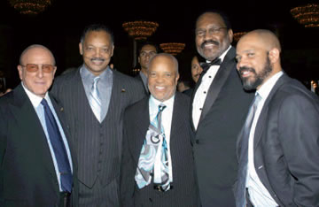 Photo of Clive Davis, Jesse Jackson, Berry Gordy, Al Bell, & Kerry Gordy